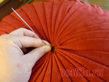 Как сшить круглую подушку своими руками: фото, выкройки и пошаговая инструкция работы