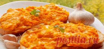Горячие бутерброды с яйцом и сыром на завтрак