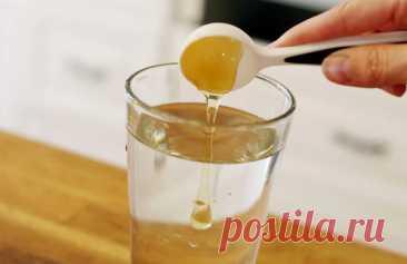 El agua de miel expulsará a los parásitos, ayudará adelgazar y mucho otro