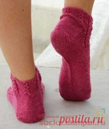 Короткие носки цвета фуксии