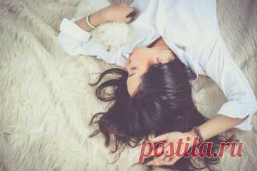 6 вещей, которых нужно избегать перед сном для хорошего самочувствия
