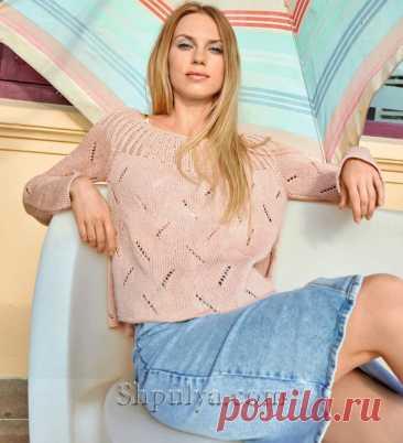 Пуловер с диагональными ажурными полосами