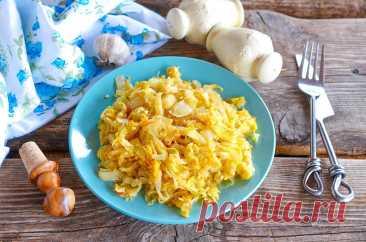 Капуста с яйцом жареная на сковороде рецепт с фото пошагово - 1000.menu