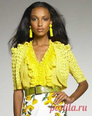 Желтый жакет - болеро от Oscar de la Renta крючком – схемы вязания - Пошивчик одежды Ярко желтого цвета жакет или болеро от Oscar de la Renta не оставит равнодушных. С коротким рукавом – это летнее или вечернее болеро. А если удлинить рукав –