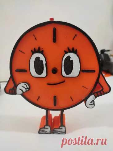 """Голосовой помощник с Raspberry Pi Кто смотрел сериал """"Локи"""", тот запомнил мисс Минуту - персонаж искусственного интеллекта. Мисс Минута может делать многое в сериале, она разговаривает, взаимодействует с другими персонажами и, конечно же, собирает и обрабатывает данные. Мастер-самодельщик решил сделать похожий персонаж и"""