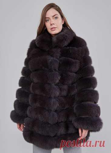 Классический: Модное пальто с лисьим мехом: что учитывать при покупке Мех черной лисы не сдает позиций в мировой моде и активно используется дизайнерами для создания теплой и красивой зимней одежды. Благодаря своему изум