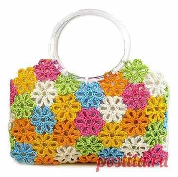 «Яркая летняя сумка из вязанных цветов разного цвета.» — карточка пользователя slavashishaev в Яндекс.Коллекциях