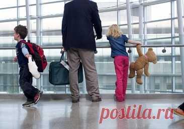 Запрет на выезд детей за границу: порядок подачи иска, необходимые документы Дети являются уязвимыми гражданами, находящимися на попечении своих родителей. Их выезд за территорию страны должен осуществляться с разрешения, как мамы, так и папы. Поэтому нередко родители, между к...