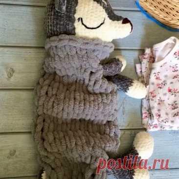 Детская пижамница-игрушка❣️  🍀 Игрушка-пижамница будет отличным другом для малыша и хранителем его пижамки. К тому же это игрушка-обнимашка для сна и бодрствования.  ✨ У игрушки тело полое, куда можно поместить пижамку малыша. А ещё в эту игрушку можно спрятать подарок по любому поводу.   🍀 Эта игрушка приучит вашего ребенка к порядку - он будет прятать свою пижаму в тело оленёнка. ✨ Такая игрушка развивает мелкую моторику - ваш малыш учится открывать/закрывать фиксатор ...
