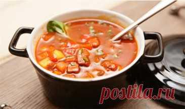 👌 Венгерский суп-гуляш, ссылки Венгерскую кухню отличают большое разнообразие и фантазия приготовления блюд, их сытность и использование самых разнообразных приправ. Известнейшим блюдом является, конечно же, гул...