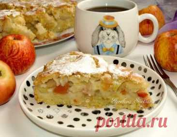 Пирог «Яблочный сидр» - БУДЕТ ВКУСНО! - медиаплатформа МирТесен Вкусный яблочный пирог к осеннему чаепитию в приятной компании. Сахар корректировать по своему вкусу, а яблочный сидр можно заменить фруктовым пивом. ИНГРЕДИЕНТОВ НА 8 ПОРЦИЙ Тесто мука 300 г яйца куриные 3 шт. сливочное масло 180 г сахар 100 г соль 1 щепотка разрыхлитель 2 ч. л. ванилин 3 г сидр