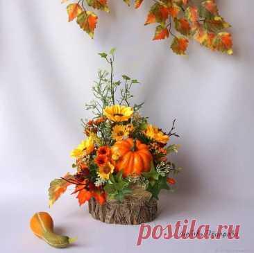 """Осенняя композиция """"Осень на пенечке"""" (с изображениями) Осенние цветочные композиции, Осенние поделки, Осенние украшения в Яндекс.Коллекциях"""
