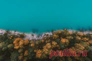 Уральское Бали В Челябинской области есть популярное у фотографов место — каолиновый карьер с сумасшедше-яркой бирюзовой водой. Экологичность этого карьера под большим вопросом, но с точки зрения фотогеничности место обязательно к посещению. Особенно для владельцев квадрокоптеров и фотолюбителей.