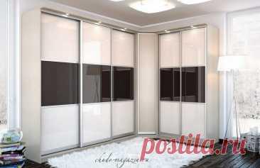 Угловой шкаф-купе в гостиную фасады стекло купить по цене 75 000 руб. в Москве— интернет магазин chudo-magazin.ru