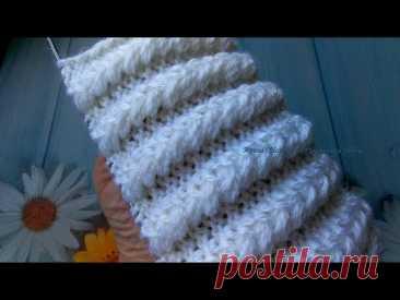 Классный, объёмный и эффектный узор спицами для вязания шапок и аксессуаров