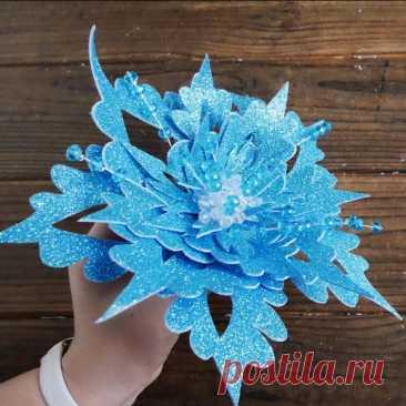 Цветок - Снежинка из фоамирана DIY МК Цветок на елку Украшение