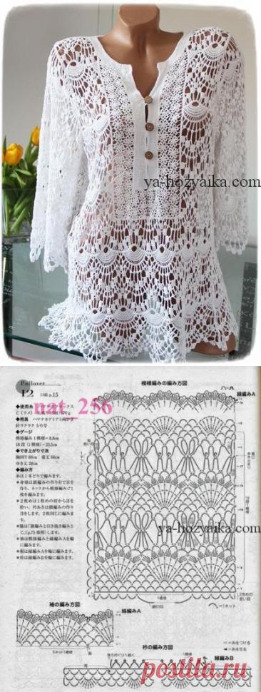La túnica muy hermosa por el gancho con los esquemas. El vestido de encajes para un verano por el gancho
