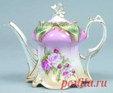 """RS Prussia Tea Pot, 5""""h., Mold 643; FD: light and dark pink rose cluster with leaves. Pink domes with green between all higlighted with gold."""