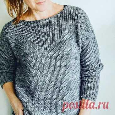 ОРИГИНАЛЬНЫЙ УЗОР ДЛЯ ПУЛОВЕРА  #джемпер_женский@knit_best, #узор_спицами@knit_best  Джемпер с простыми узорами: вид спереди Показать полностью...