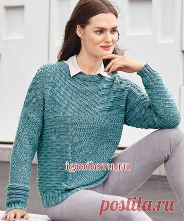 Бирюзовый пуловер со структурными узорами. Вязание спицами