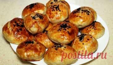 Очень вкусные слоеные пирожки с мясом и сыром