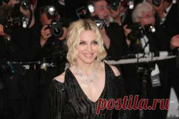 7 бьюти-трендов, которые ввела в моду Мадонна. Каждый ее шаг преследуют папарацци, а каждый образ копируют поклонники. Какие бьюти-тренды ввела в моду Мадонна?