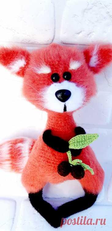 PDF Малая Панда крючком. FREE crochet pattern; Аmigurumi doll patterns. Амигуруми схемы и описания на русском. Вязаные игрушки и поделки своими руками #amimore - Красная панда, кошачий медведь, пандочка, медвежонок, мишка.
