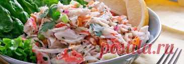 Салат с консервированным крабовым мясом и авокадо • Рецепт Нежный и восхитительно вкусный салат с консервированным крабовым мясом и авокадо. Такая закуска выглядит эффектно и красиво. Отлично подойдет для любого праздничного стола.