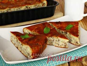 Легкий в приготовлении рыбный пирог на жидком тесте с консервированной сайрой и рисом. Доступен для начинающих кулинаров.
