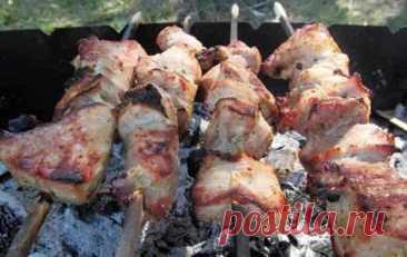 Шашлык в Пиве из Свинины Отличный Рецепт Шашлык в пиве из свинины - будет непревзойдённым по вкусу и получится мягким. Вы узнаете как сделать маинад для шашлыка в пиве.