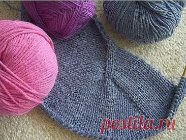 Easy in development and the fascinating Contiguous method of seamless knitting of a product with a set-in sleeve