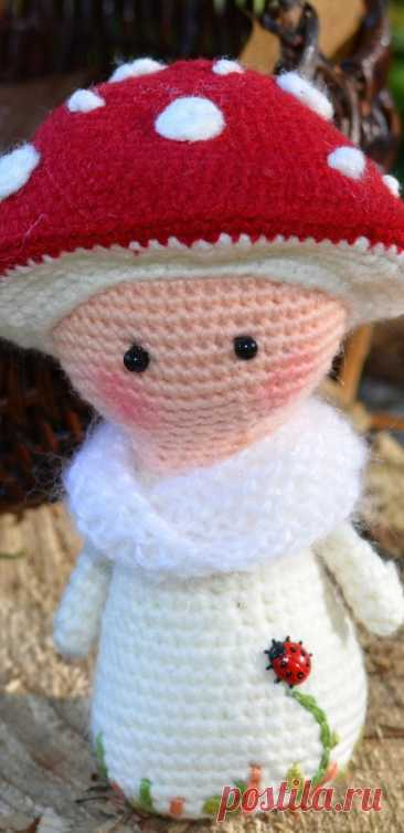 PDF Мухоморочка Мара крючком. FREE crochet pattern; Аmigurumi doll patterns. Амигуруми схемы и описания на русском. Вязаные игрушки и поделки своими руками #amimore - кукла, пупс, куколка, девочка.