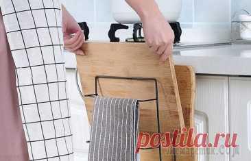 10 полезных хитростей для маленькой кухни, которые позволят все разложить по полочкам Какая бы площадь ни была у кухни, полезного пространства всегда не хватает. Решить эту проблему помогут несколько хитростей по правильному расположению вещей и созданию дополнительных мест хранения. Р...