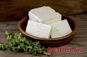 (1) Нехитрый способ, как приготовить сыр «Фета», вдвое доступнее и вкуснее магазинного - БУДЕТ ВКУСНО! - медиаплатформа МирТесен Как показывает практика, дома самостоятельно можно приготовить практически любой сыр, и «Фета» не исключение. Для приготовления потребуется взять только литр молока и соль. На выходе у вас будет 250-270г вкусного и полезного сыра, который сложно отличить от покупного, если только вы не являетесь