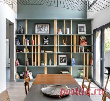Фотоохота: 15 стеллажей с нестандартным рисунком полок Украшаем интерьер мебелью