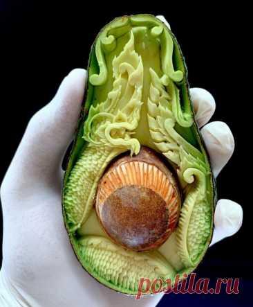 Итальянский мастер по карвингу создаёт восхитительные резные шедевры из авокадо