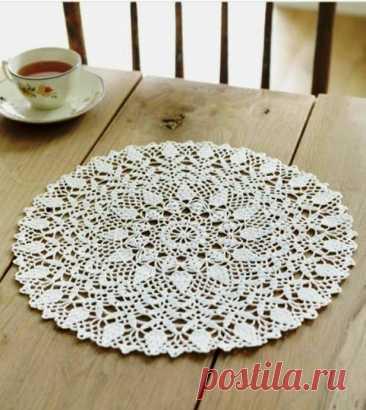 Интересная круглая салфетка - украшение для кухни