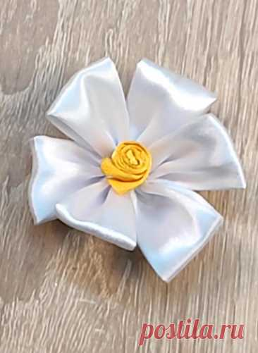 Вышивка цветка из ленты. Вышивальный лайфхак. Видео урок.