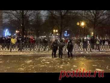 Снежок в космонавта,  свободу Навальному, акции протеста, 23 января, митинг протесты, 2021, марш