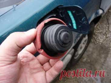 Можно ли ездить с открытой крышкой бензобака и как работает обратный клапан бензобака