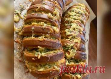 Горячая закуска - «Запечённый Батон с сыром, чесночком и зеленью🌿» - пошаговый рецепт с фото. Автор рецепта Сабина Рашидинова . - Cookpad