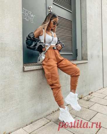 Модные брюки джоггеры – удобнее чем джинсы, подходят для любой фигуры: с чем их носить | Модные интриги | Яндекс Дзен