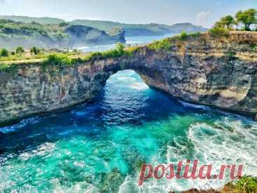 Broken Beach, Sakti, Klungkung Regency, Bali, Indonesia   Красивая бухта в Сакти, Клунгкунг, Бали. Красивейшие места мира фото с названиями #путешествие