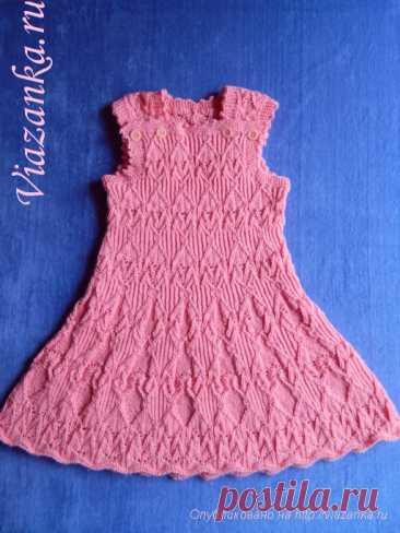 Сарафан для девочки спицами Ажурный нарядный сарафан для девочки 5-7 лет из комплекта, связан снизу, не имеет швов. С подробным описанием и фото.