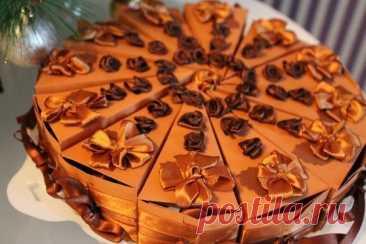 Торт-сюрприз с небольшими подарочками-пожеланиями внутри