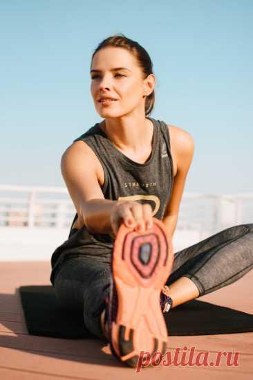 4 эффективных упражнения для колена, которые желательно делать после 40 лет | Геннадий Лянго | Яндекс Дзен