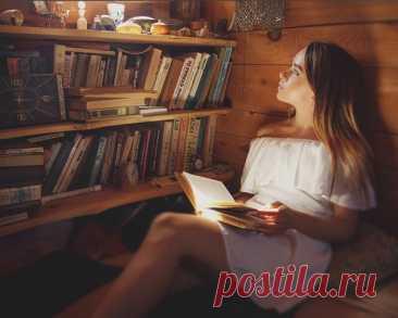 """Настоящий дом находится там, где стоят твои книги...  © Керстин Гир, """"Зильбер. Первый дневник сновидений"""""""
