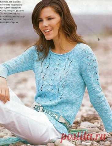 Пуловер с узорными полосами | Вязание для женщин спицами. Схемы вязания спицами  Украшением этой кофты являются ажурные полосы в центре полочки и на рукавах.