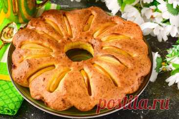 Яблочный пирог в духовке - 11 вкусных и простых рецептов с фото Представляем 11 вкусных рецептов яблочных пирогов. Попробуйте испечь вкусную выпечку и выбрать именно ту, которая придется по душе именно вашей семье.