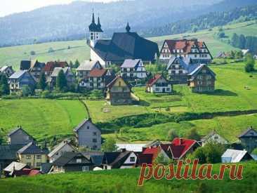 Вам интересна Польша? - DYNASTY OF CHEFS 1. По размерам, Польша 9-ая страна в Европе. Является мононациональной страной – 93% населения Польши – поляки, а половина всей